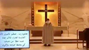 Beyrut'taki patlama anında kilisedeki görüntü olay oldu rahibe dikkat