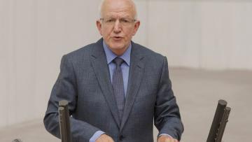 CHP'li İbrahim Kaboğlu tartışılan anayasa çalışmasını doğruladı